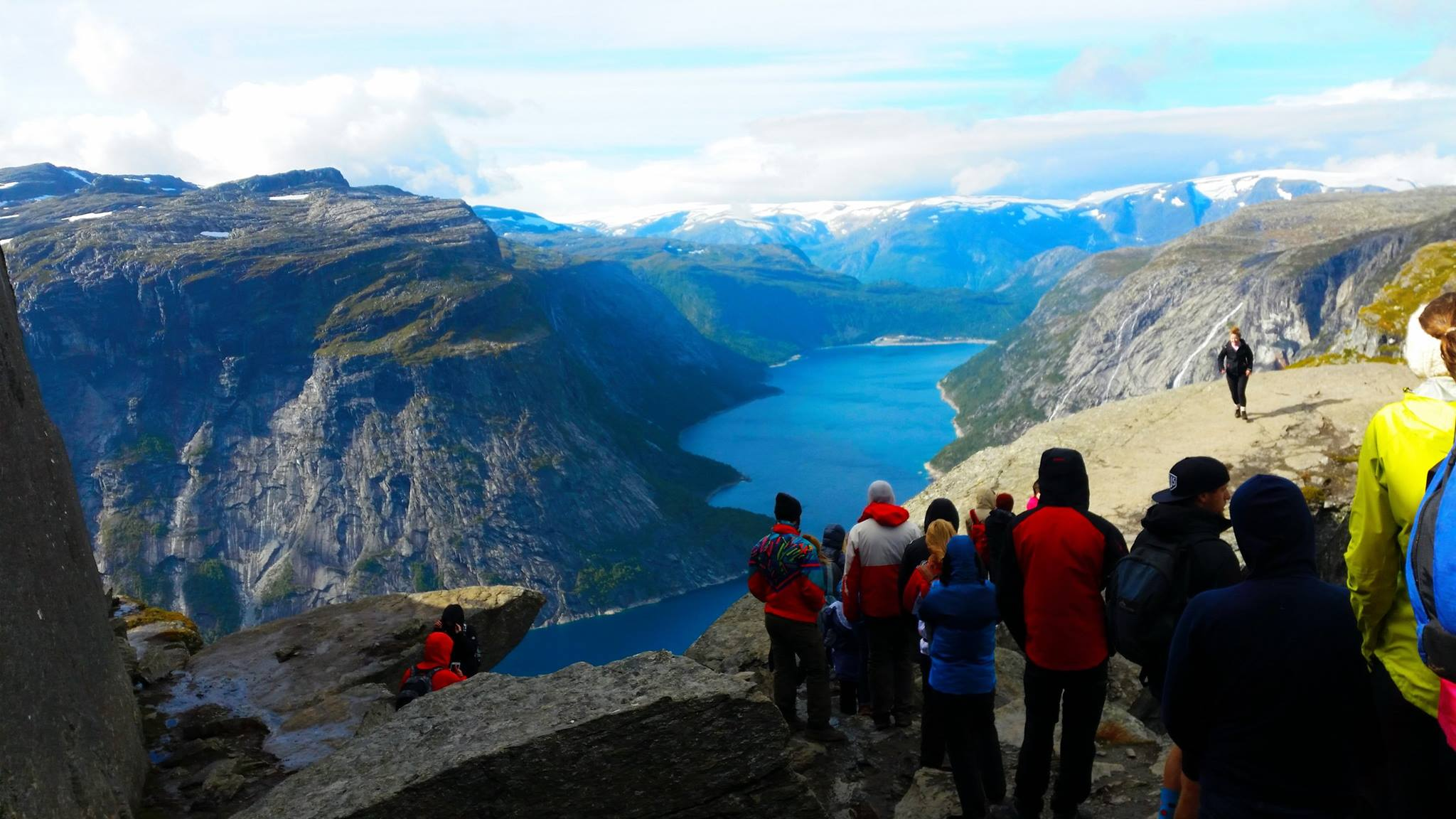 Solo Travel Blog | Backpacking with Bacon | Trolltunga Queue