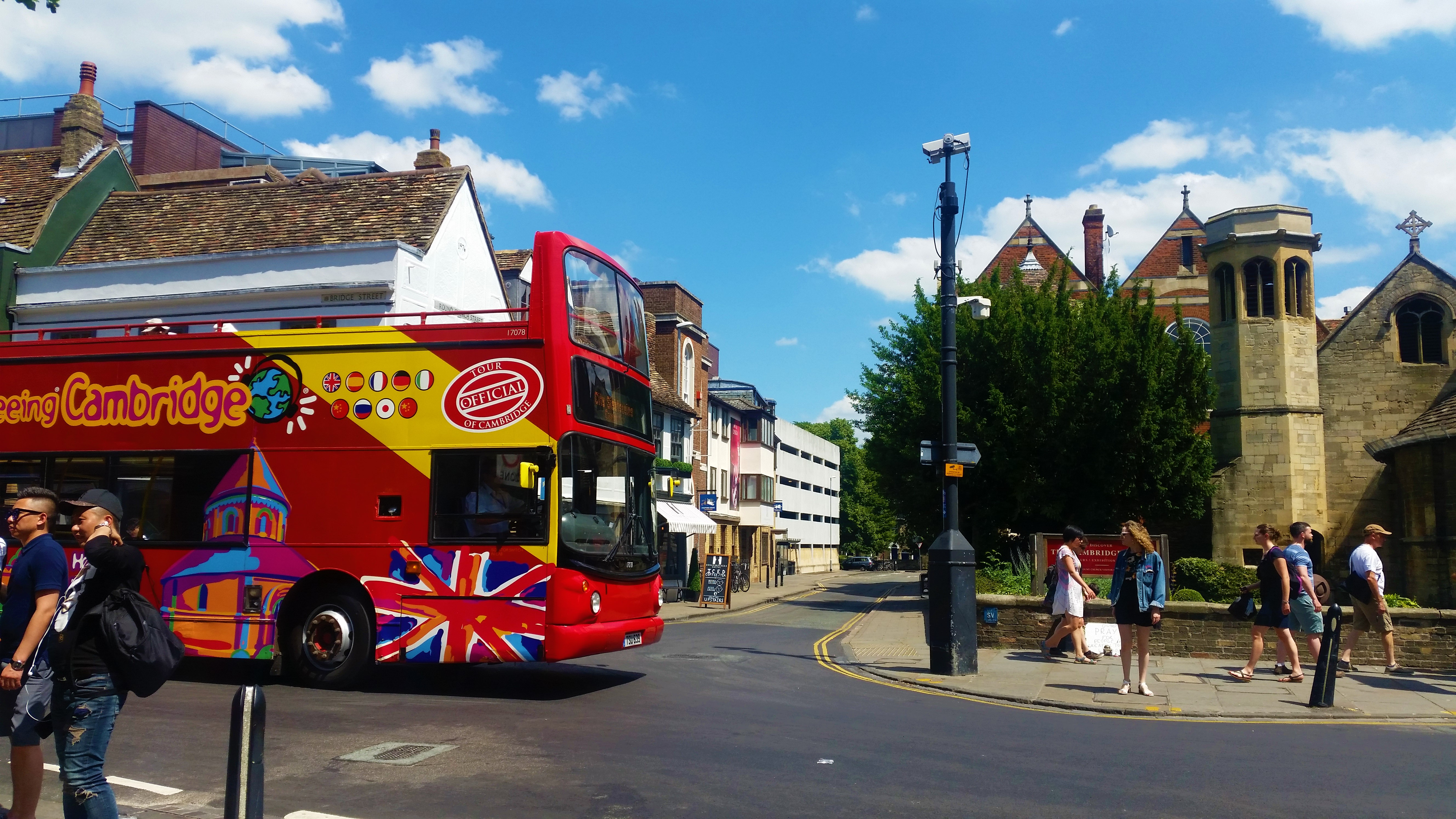 Bus | Solo Travel Cambridge | Backpacking with Bacon