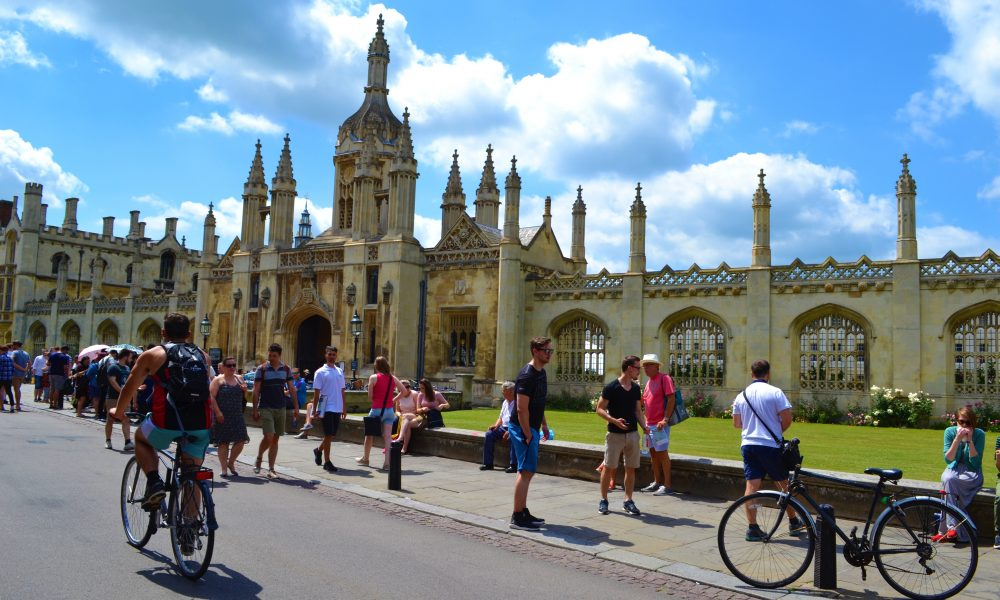 Cambridge King's College | Walking in Cambridge | Backpacking with Bacon