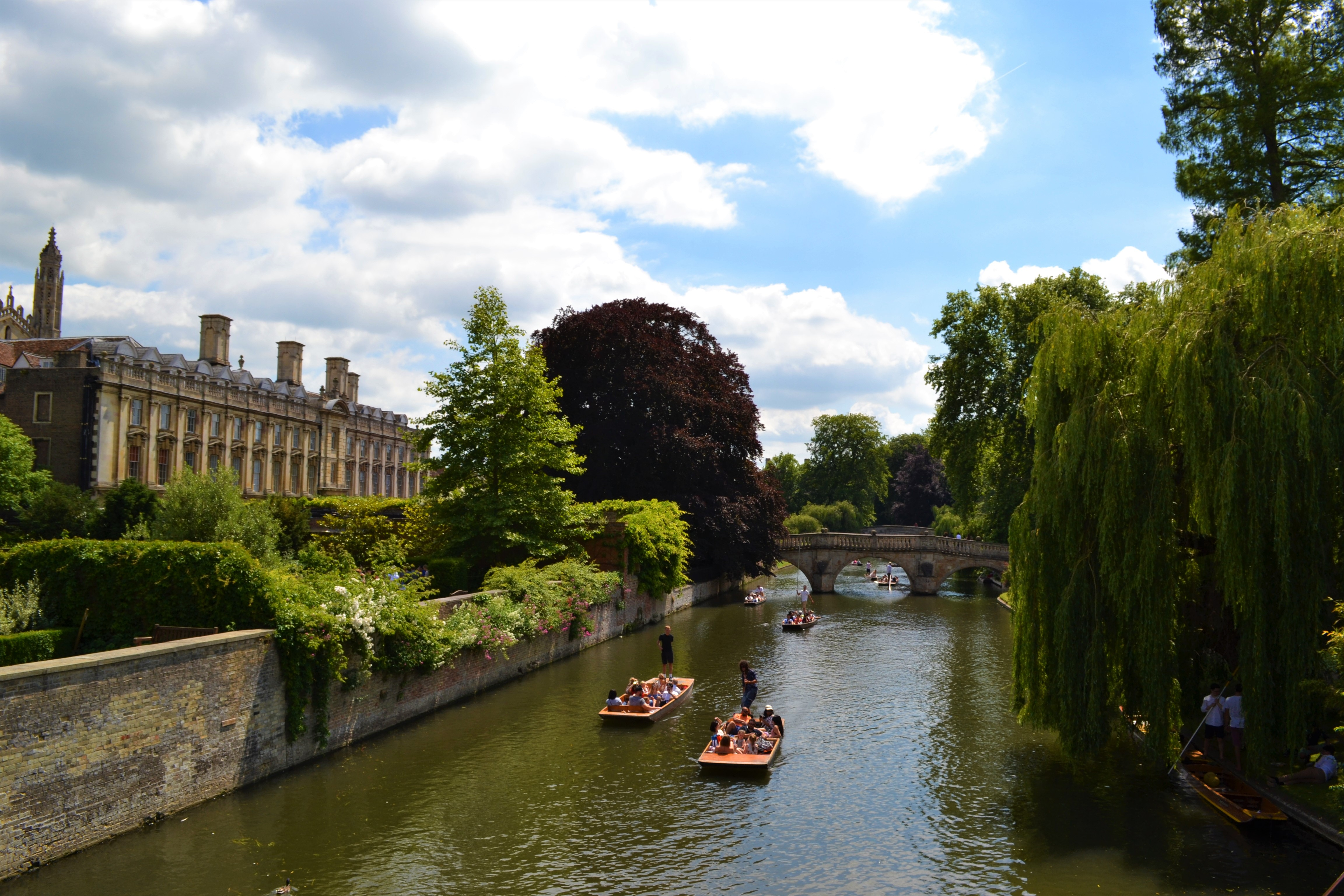 College Backs | Walking in Cambridge | Backpacking with Bacon