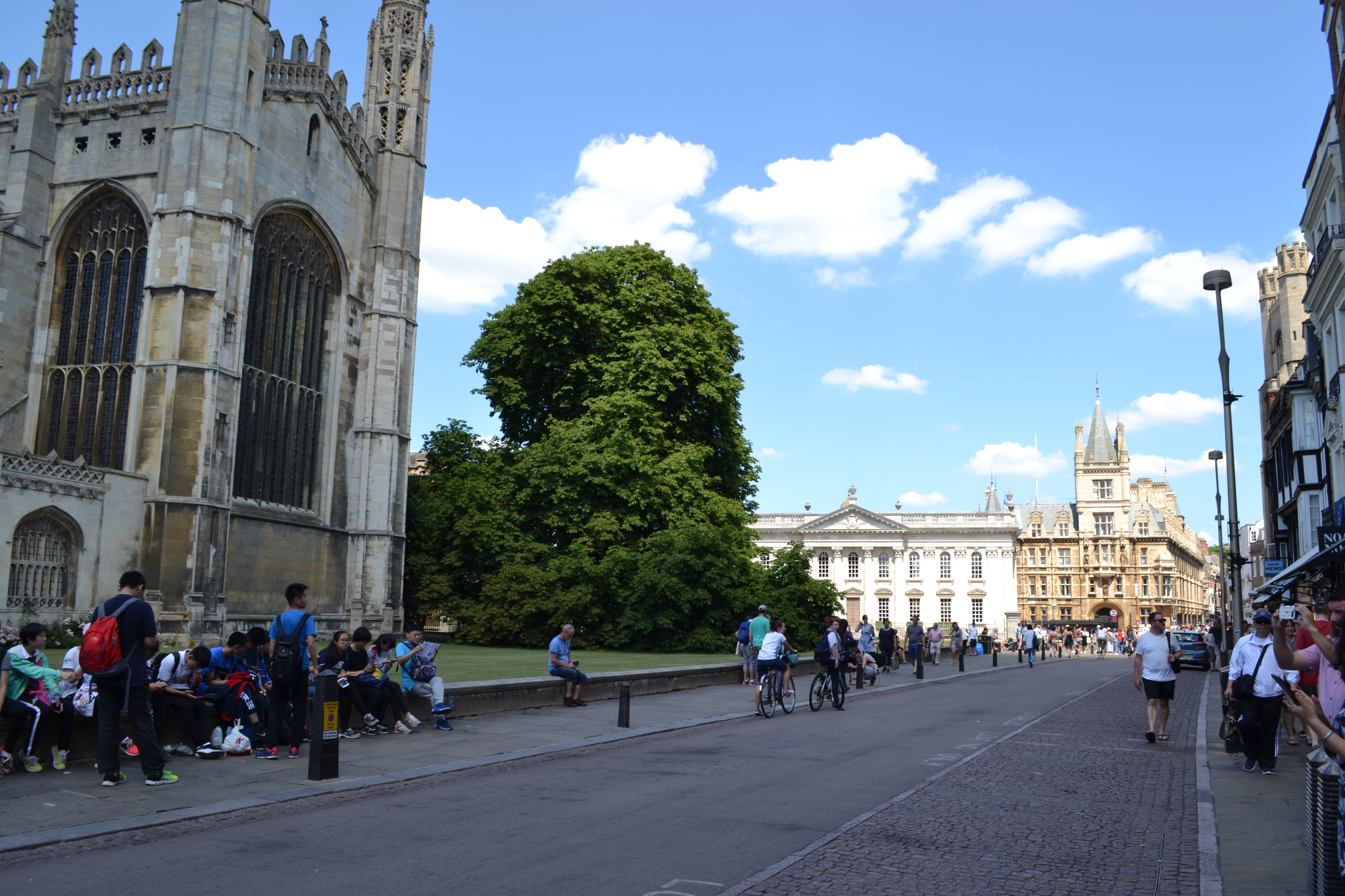 Kings Parade | One Day Itinerary Cambridge | Backpacking with Bacon