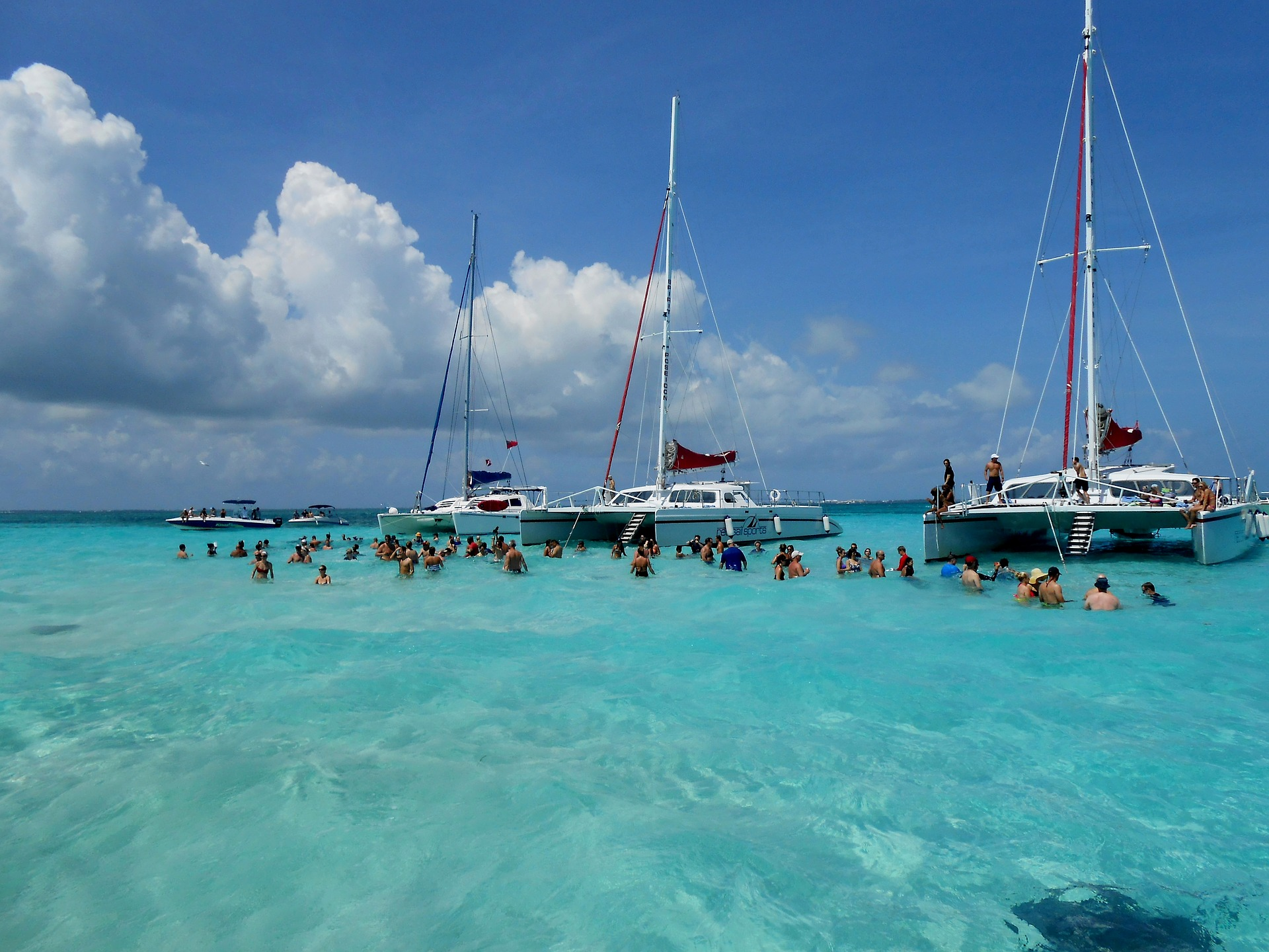 Stingray City | Caribbean | Backpacking with Bacon