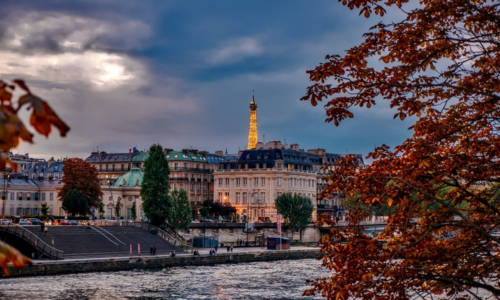 Cityscape | Paris in Autumn | Backpacking with Bacon