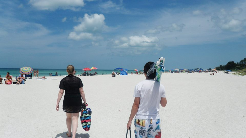 Friends on Siesta Beach | Travel in Florida | Backpacking with Bacon