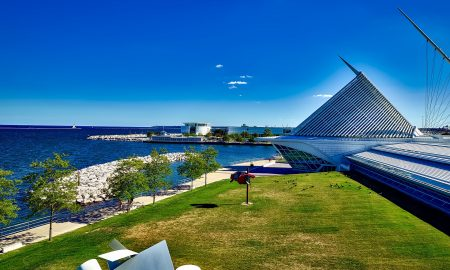 Milwaukee Waterfront | Solo Travel in Milwaukee | Backpacking with Bacon