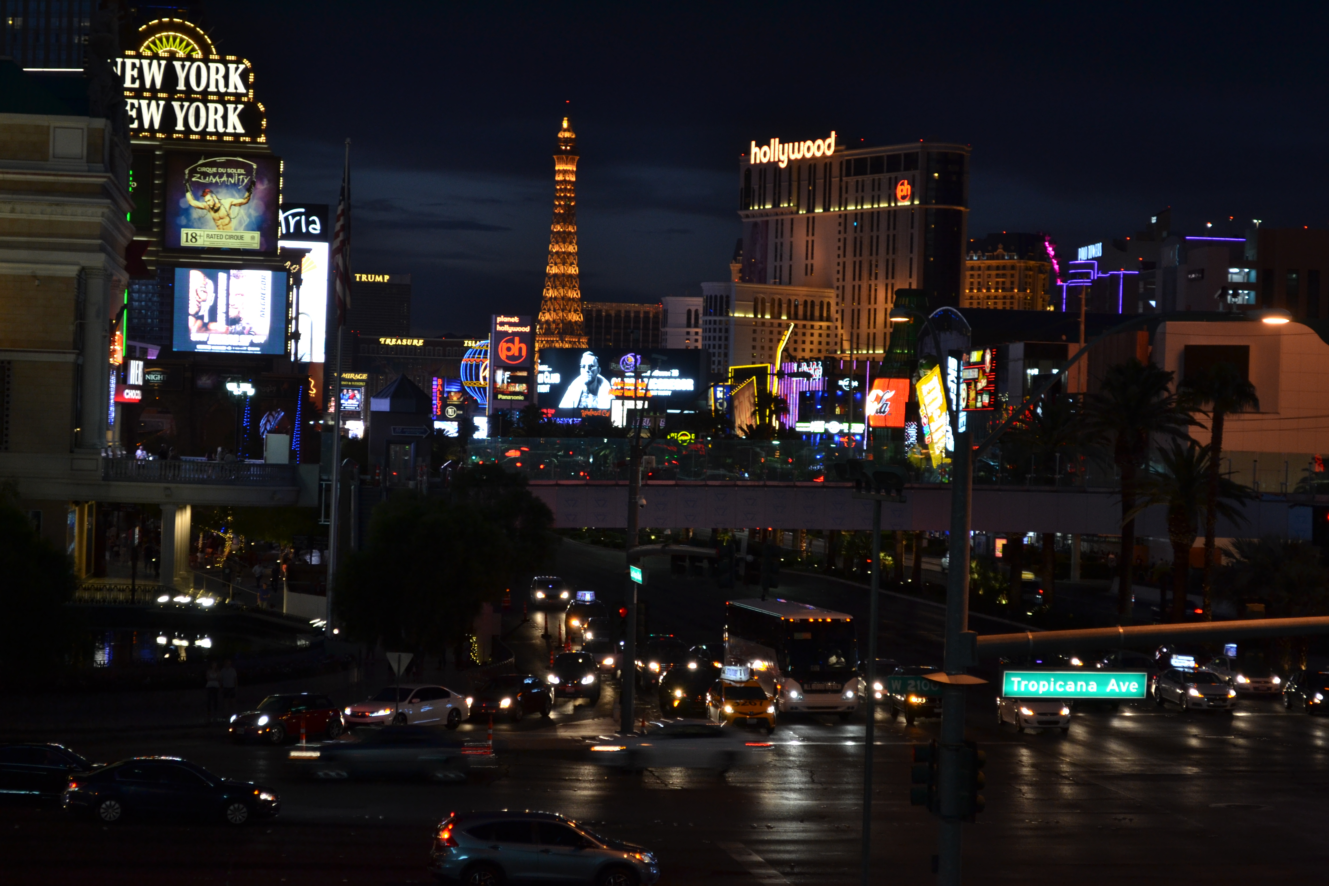 Vegas Strip   Backpacking with Bacon   Solo Travel in Vegas