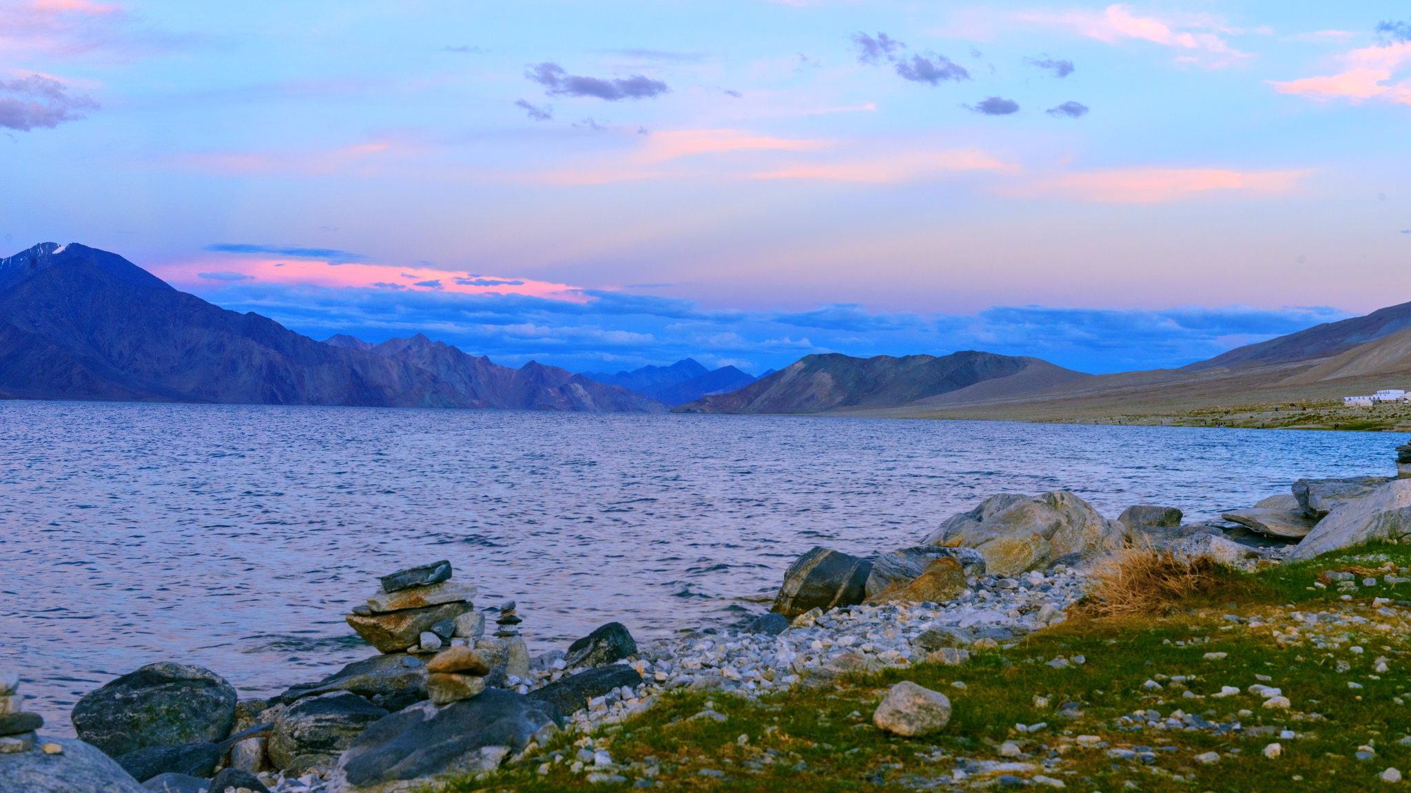 Pangong Lake | Backpacking with Bacon | Female Solo Backpacking