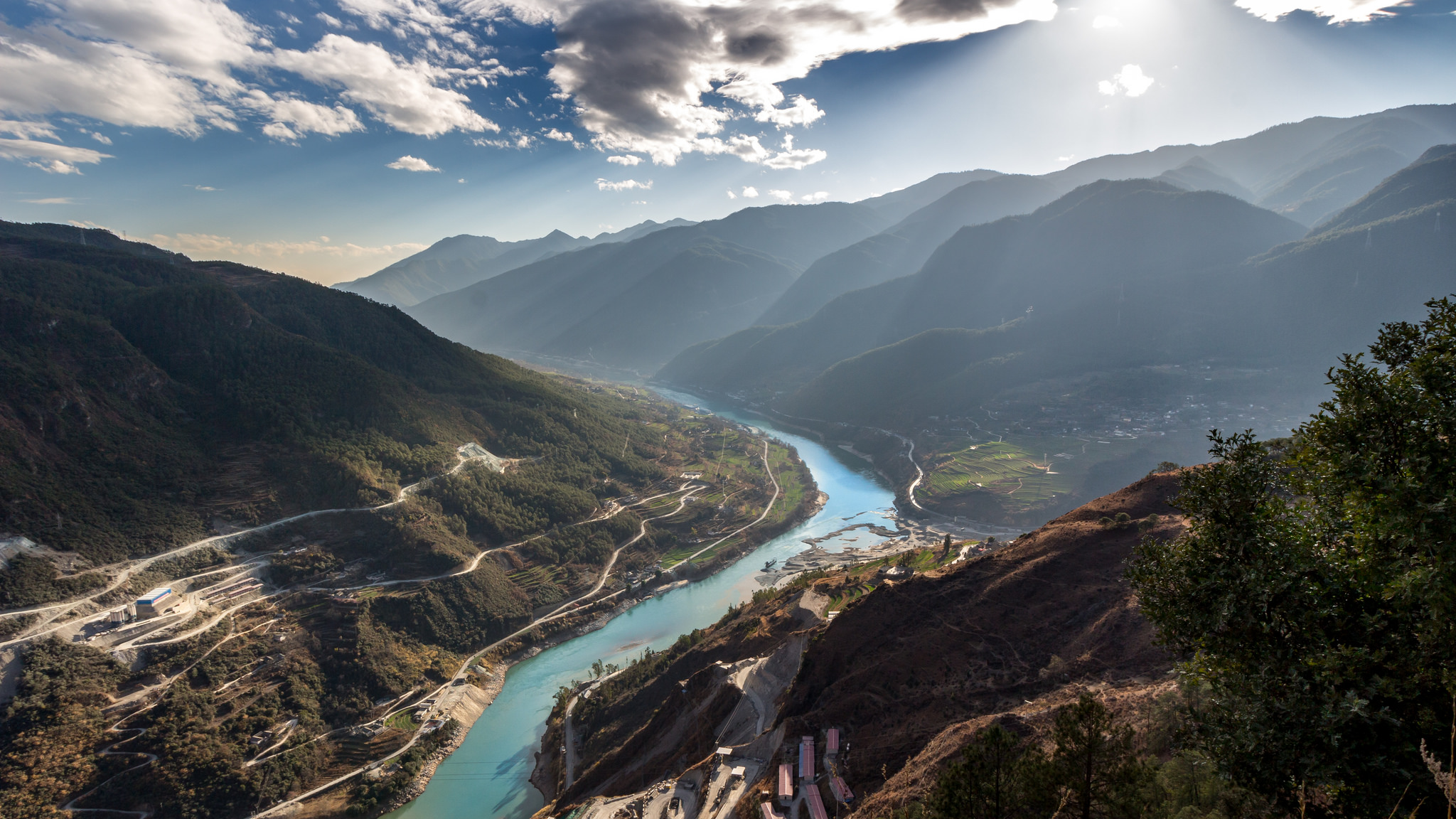 Tiger Leaping Gorge | Backpacking with Bacon | Solo Travel Blog