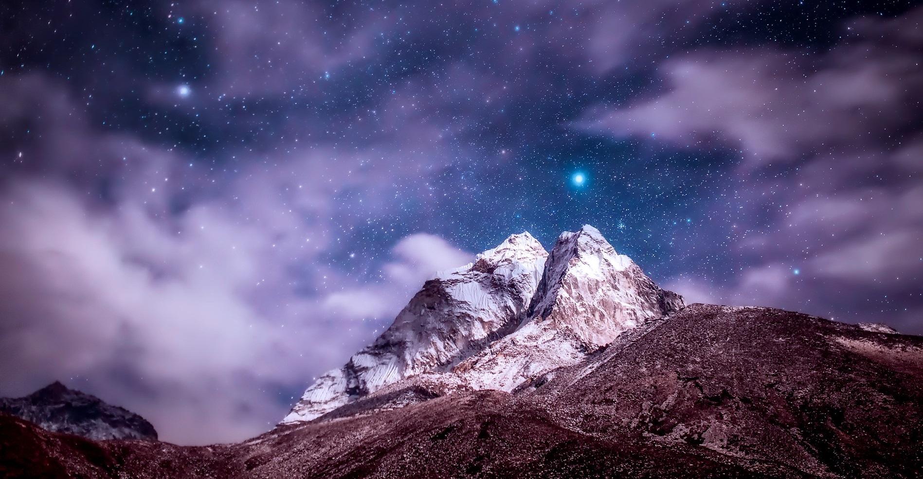 Himalayas at Night | Backpacking with Bacon | Budget Travel Blog