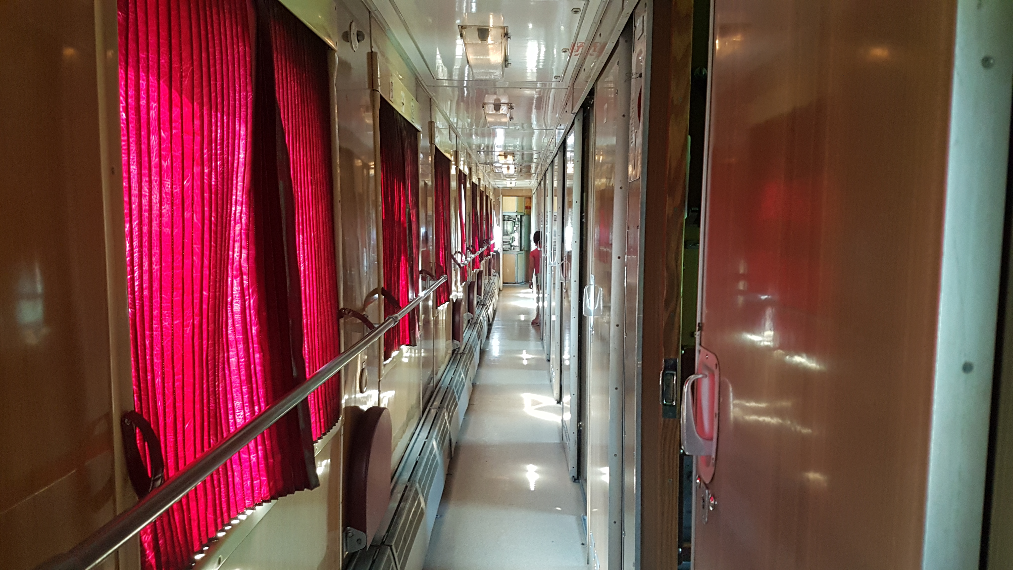 Sleeper Train Bunk Bed from Baku to Balakan Corridor | How to Get From Baku to Georgia