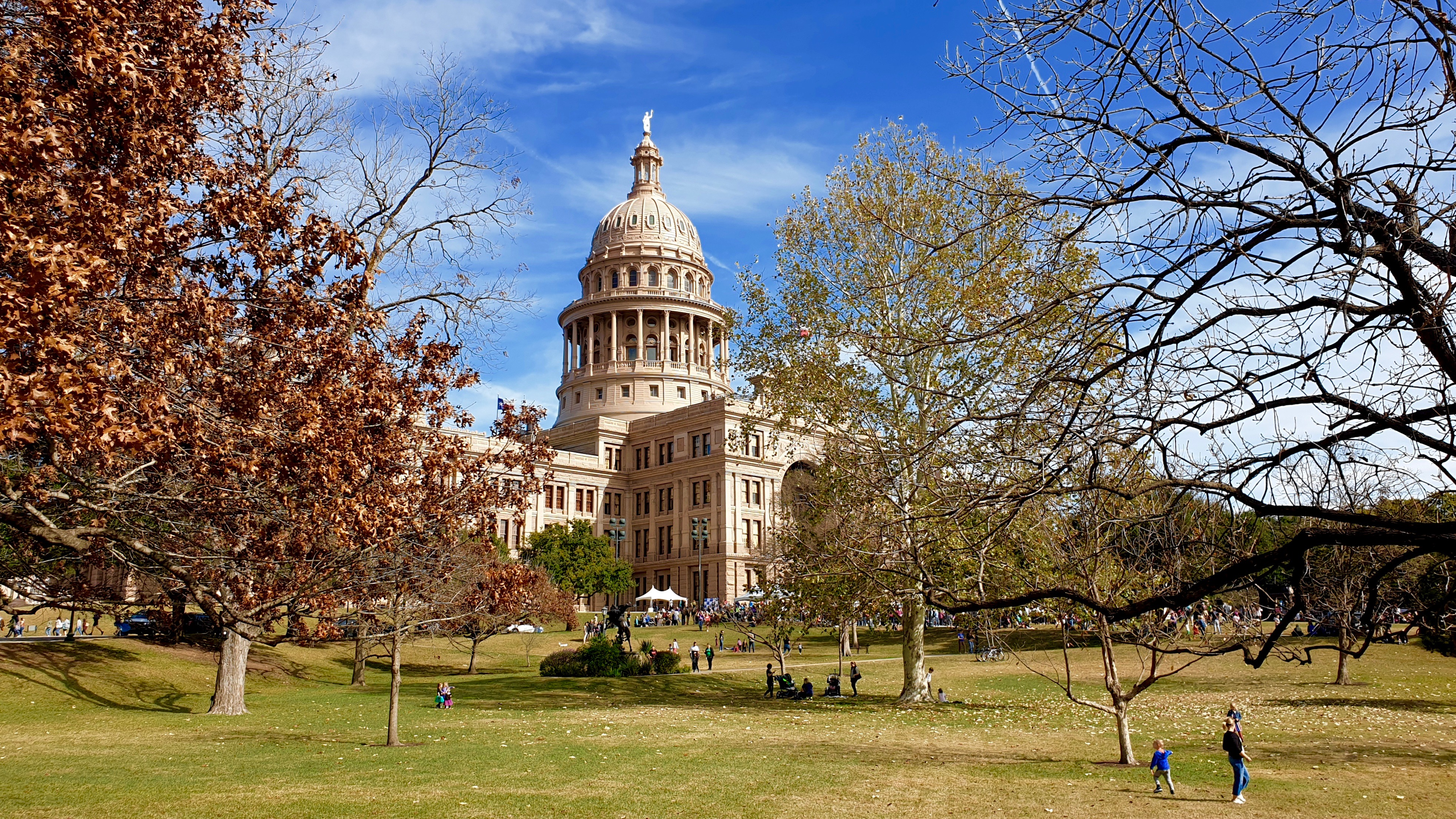 Austin Capitol | Backpacking with Bacon | Solo Travel Blog